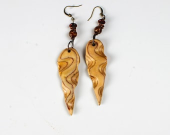 Dagger earrings natural