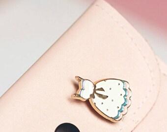 Vintage Style Apron Pin