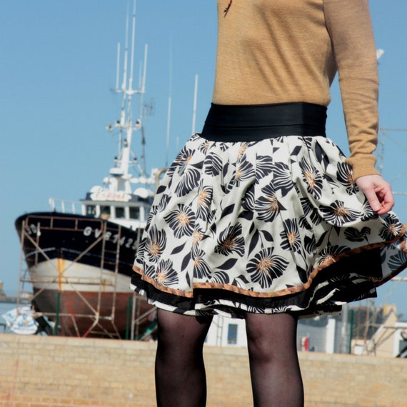 Original Retro Rockabilly black Ecru Tan skirt Fifties design skirt. Pleated skirt