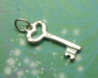 Vintage Sterling Silver Dangle Charm - Key 6