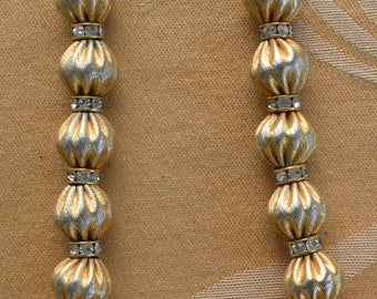 "Brushed Gold tone Fluted Beaded Necklace, Rhinestone Rondelles, 20"" (O10)"