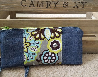 Floral Wallet Wristlet