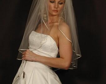 Classic Wedding Veil, Elbow Veil with Satin Trim, Satin Ribbon Veil, Elbow Length Veil, Veil Wedding, Bridal Veil, Wedding Veil, Comb Veil