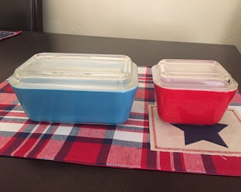 Pyrex 501 & 502 refrigerator dish Red and Blue Primary