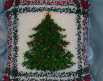Large Christmas Tree Pillow latch hook