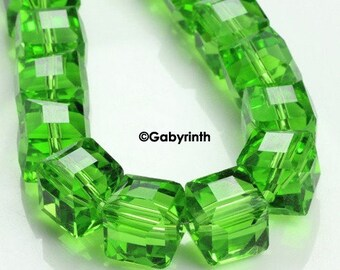 Crystal beads 5mm - Green Peridot Cubes