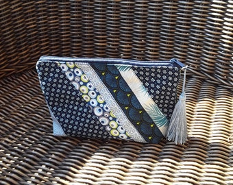 Pouch attached to her handbag, clutch, fabric cotton print fabric, blue Japanese, patchwork, make-up, Peony colors