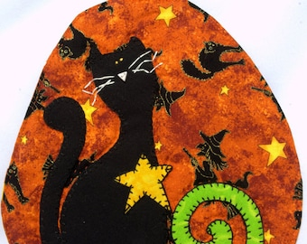 Pumpkin Patch Black Cat and Witches Mug Rug