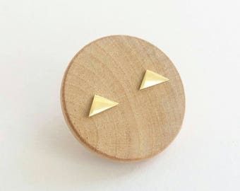 Minimalist Geometric triangle stud earrings. Small 14K Gold earrings. Sterling silver Triangle stud earrings. 14K Gold Triangle Studs.