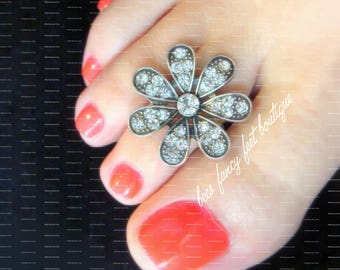 Daisy Toe Ring, Rhinestone Toe Ring, Silver Toe Ring, Flower Toe Ring, Stretch Bead Toe Ring