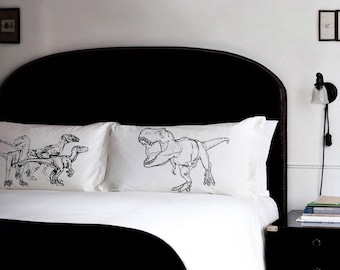 Free Shipping - Pillow Fighting Set DINOSAURS Raptors vs Trex pillowcases fight t rex world park room decor pillow case NEW