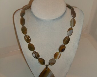 Tan, grey, brown and white agate necklace