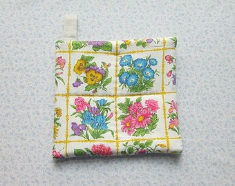 vintage fabric spring flowers hand quilted insulated potholder with loop to hang