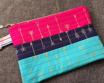 Southwest Inspired Arrows Quilted Zippered Pouch with Clip
