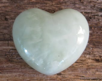 Serpentine New Jade Heart, Green Heart, Gemstone Heart, Crystal Heart, Crystal Healing, Healing Crystal, Polished Crystal, Green Jade