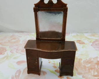 Renwal Bedroom Vanity Dresser   Doll House Toy  miniature Bedroom hard plastic