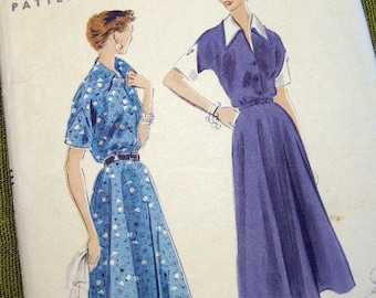 Vintage 1950s Vogue Sewing Pattern - Day Dress - Circular Skirt - Pointed Collar // Size 12