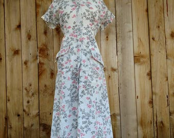 1940s dress, vintage floral, WWII, 40s house coat, large day dress, cotton, metal zipper dress