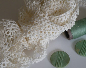 Small Ivory Crochet Lace Vintage