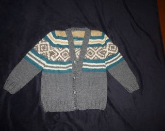 Manually knitted boy vest