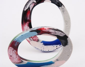 Set of 2 resin bangles, marbled red-blue and green, fits S
