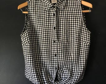 Vintage Outfit JPR Linen Gingham tie front sleeveless top