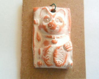 Good Luck Cat Distressed Ivory Glazed Terra Cotta Pendant Finding