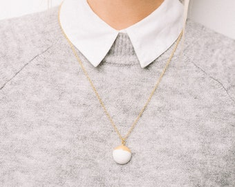 Ceramic Button Necklace, Ceramic Contemporary Necklace, Porcelain Minimalist Jewellery, Ceramic Dainty White and Gold Necklace, Ceramic Gold