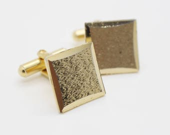 1970s Square Textured Surface Cuff Links Gold Tone Metal Mens Shirt Cufflinks