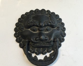 """Chinese Ming Dynasty bronze jail door handler beast mask """"Bian 狴犴"""" with imperial ocean wave and crown hair"""