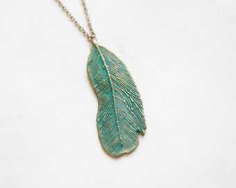 Green Feather Long Necklace | Peacock Necklace | Woodland Jewelry | Feather Jewelry | Blue Feather | Bridal Jewelry | Bridal Gifts | Wedding