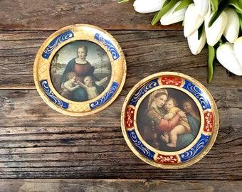 Italian Florentine round Prints with Gold Gilt frame / Florentine painting