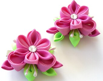Kanzashi  Fabric Flowers. Set of 2 hair clips. Pink and green.