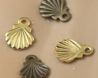 Set of 8 multicolor ref FP85 seashell charms