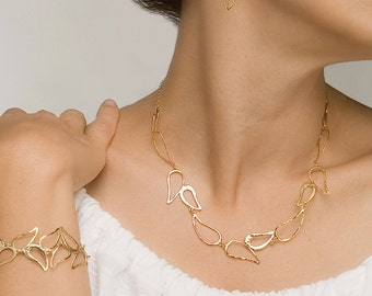 Delicate Gold Necklace, short gold necklace, gold necklace, paisley necklace, bride necklace, wedding jewelry, delicate necklace, bridesmaid