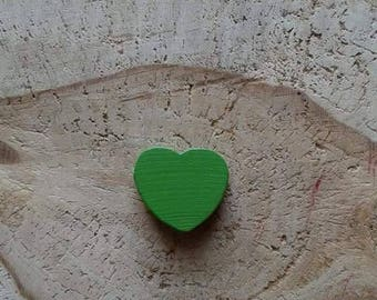Green heart wood bead