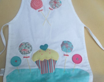 Child arpon embroidered cupcake and lollipop