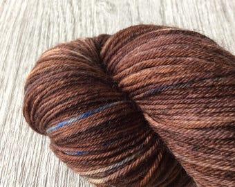BROWN SUGAR. Sokkenwol, Superwash wool/nylon. 100 GR-400 m.