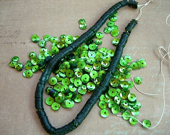 Vintage Sequins Strand KELLY LIME GREEN 5mm cups Couture full strand