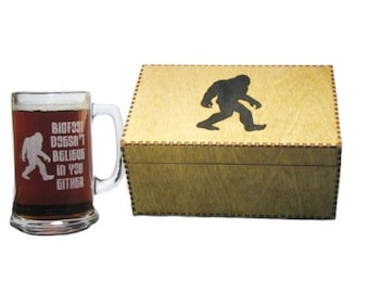 Bigfoot Doesn't Believe In You Either 15oz. Beer Mug with Handle AND Wooden Keepsake Gift Box