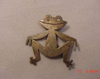 Vintage Sterling Silver Smiling Frog Brooch  18 - 703