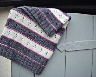 Bloom ~ a PDF knitting pattern