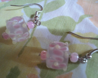 piNK fLoRaL Lampworked glass earrings
