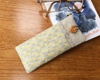 Glasses sleeve, spectacles cover, sunglasses case, daffodils,  soft case
