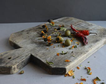 Antique rustic cutting board with food chopper - Bread board - Chopping board - Vintage wooden chopping board - Rustic kitchen decor.