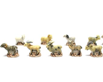 Sheep beans in China, 10 miniature animals, sheep - animals for Nativity scene Christmas, cake, collector of miniatures