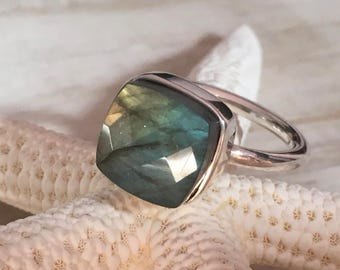 Ring PLETO - Labradorit (green mother of Pearl)