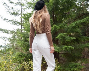 White High Waisted Jeans - 28 29 Waist CHIC Jeans, High Waist Mom Jeans, tapered Leg Boyfriend Jeans, Vintage 80's 90's White jeans