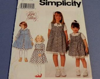 Simplicity 7634  Dress and Pinafore Pattern Uncut