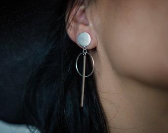 Bar and circles earrings